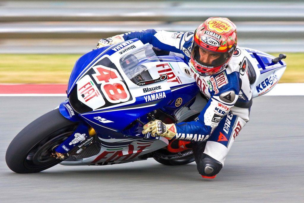 Contoh Sponsor dalam MotoGP