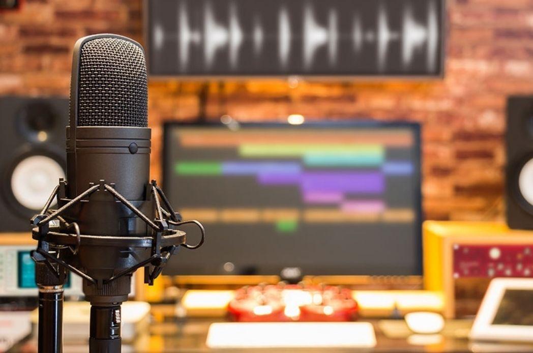 Alat Perekam Suara untuk Podcast