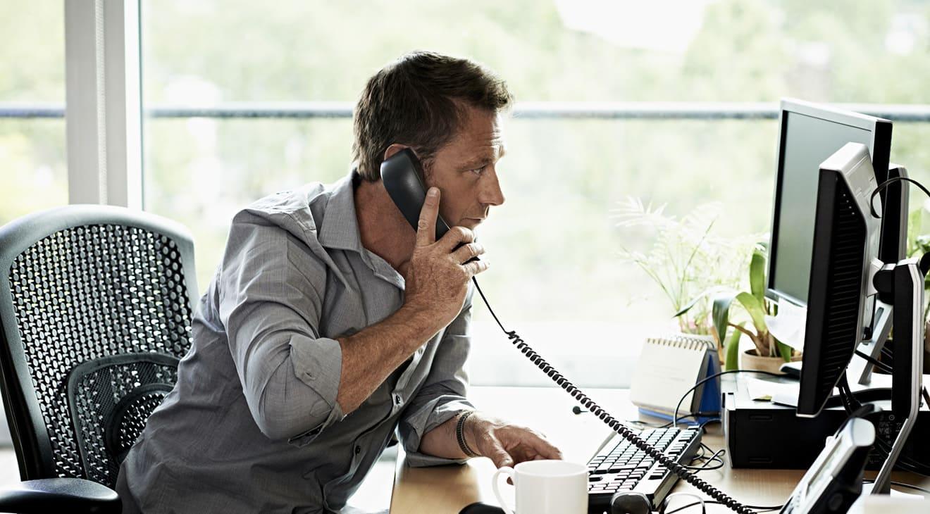 karyawan outsourcing vs kontrak